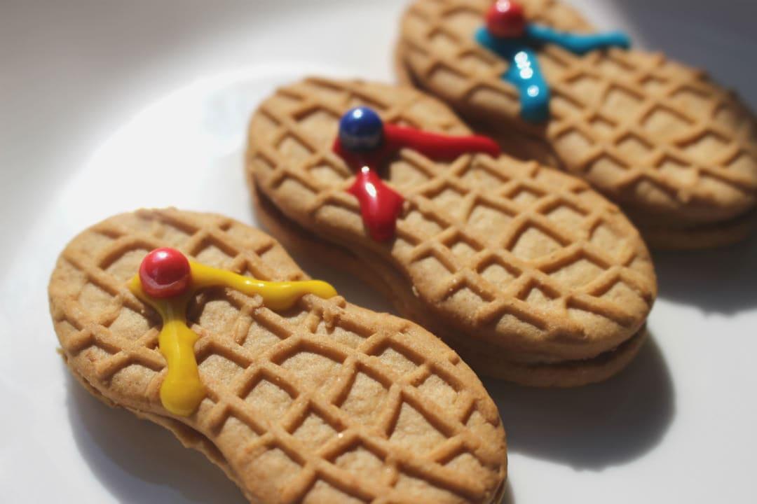 6024c5ba07c5f Nutter Butter Flip Flop Cookies • The Three Snackateers