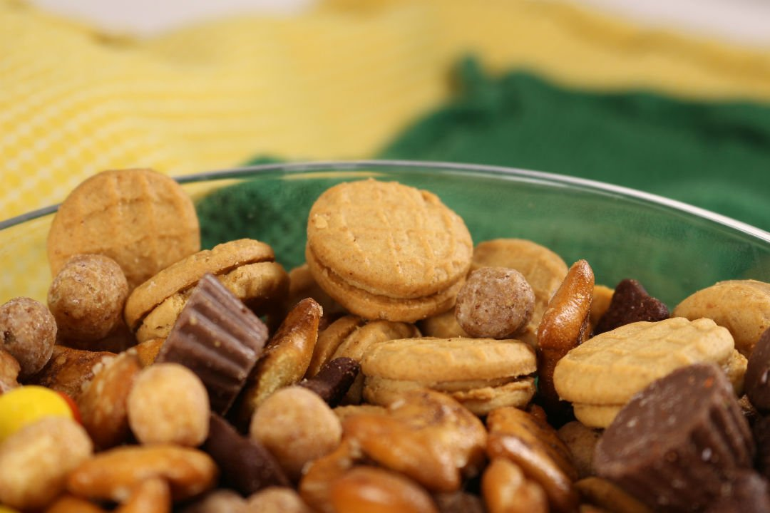 Reeses Snack Mix Bowl
