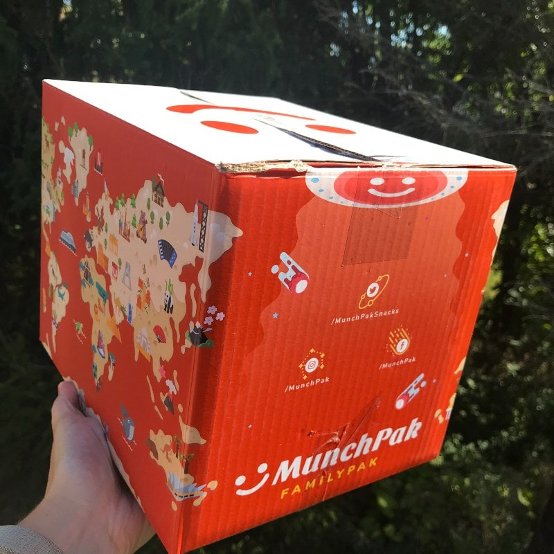 MunchPak FamilyPak International Snack Subscription Box Packaging